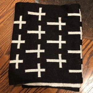 reversible black and white cross scarf